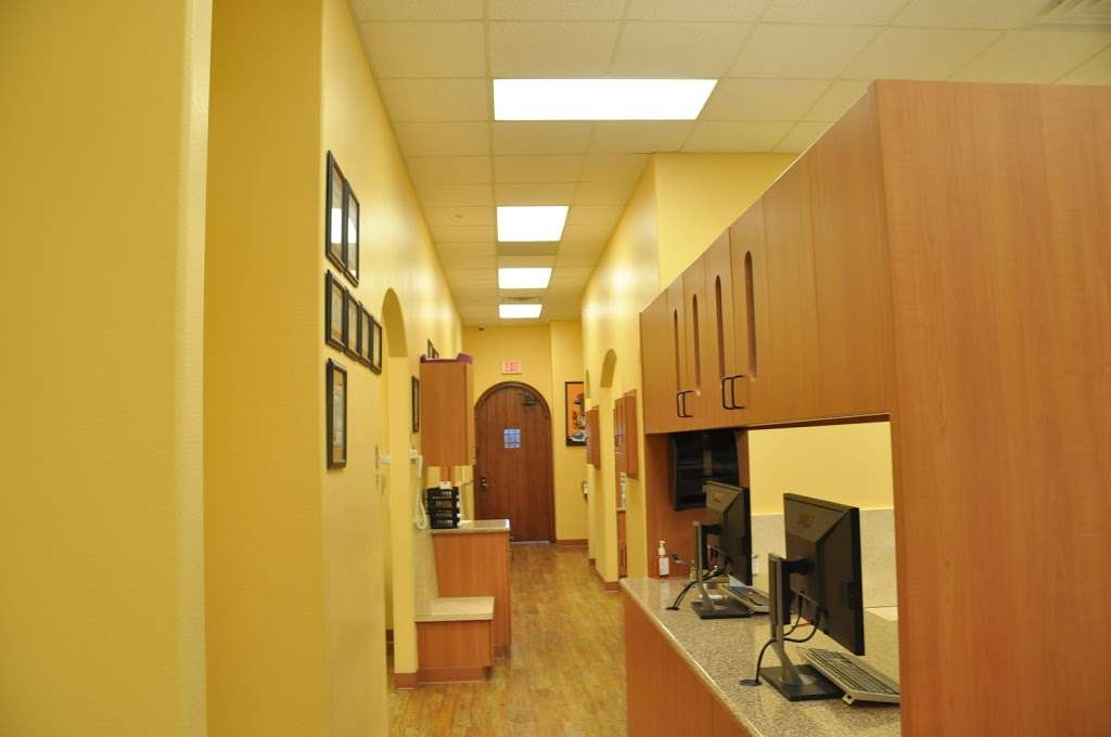 Bear Creek Family Dentistry - Cockrell Hill - dentist    Photo 3 of 10   Address: 4470 W Jefferson Blvd #500, Dallas, TX 75211, USA   Phone: (214) 333-3100