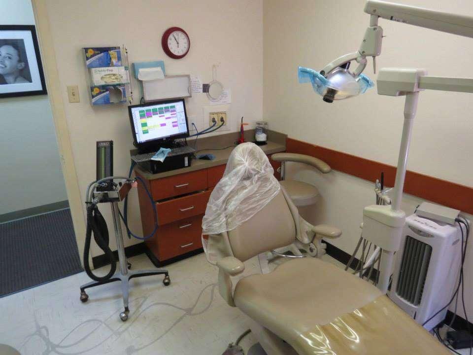 Affordable Dental - dentist    Photo 3 of 10   Address: 9324 Homestead Rd, Houston, TX 77016, USA   Phone: (713) 633-1922