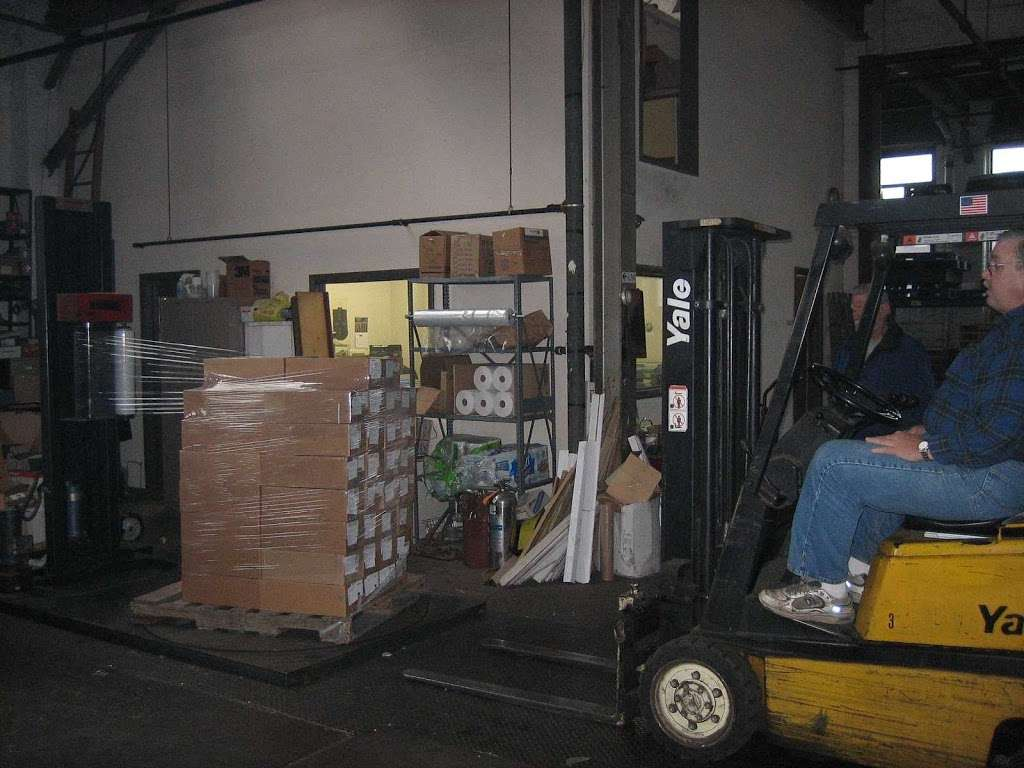 Alpha Warehousing Corporation - storage  | Photo 5 of 9 | Address: 1100 River St, Ridgefield, NJ 07657, USA | Phone: (201) 945-4004