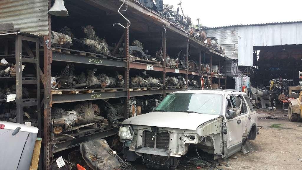 Hilltop Auto Salvage - car repair    Photo 3 of 5   Address: 4157 Boston Rd, Bronx, NY 10466, USA   Phone: (718) 324-0706