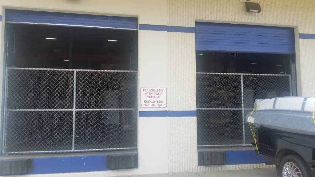 Rooms To Go Distribution Center - storage  | Photo 9 of 9 | Address: 3500 S Watson Rd, Arlington, TX 76014, USA | Phone: (800) 766-6786