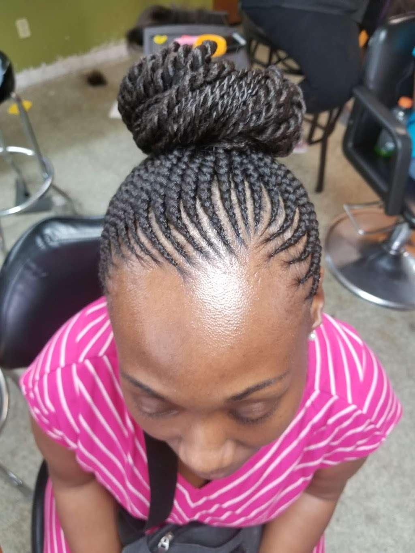 Lallas Braiding - hair care  | Photo 1 of 10 | Address: 5718 Aldine Bender Rd, Houston, TX 77032, USA | Phone: (281) 442-1331