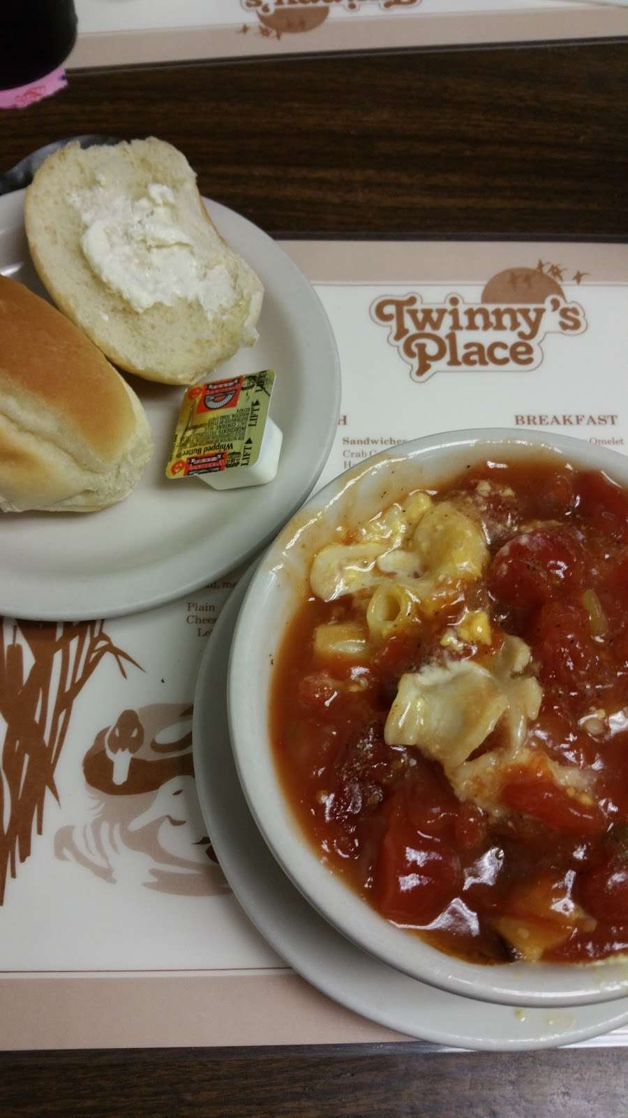 Twinnys Place - meal takeaway  | Photo 8 of 10 | Address: 162 N Main St, Galena, MD 21635, USA | Phone: (410) 648-5784