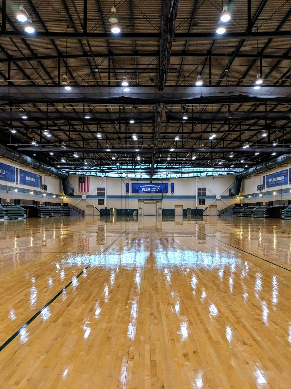 Visa Athletic Center - gym  | Photo 6 of 10 | Address: 700 S Victory Way, Kissimmee, FL 34747, USA | Phone: (407) 541-5600