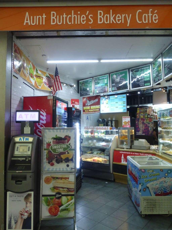Aunt Butchies Bakery Café - bakery  | Photo 4 of 4 | Address: 4 South St, New York, NY 10004, USA | Phone: (212) 742-2787