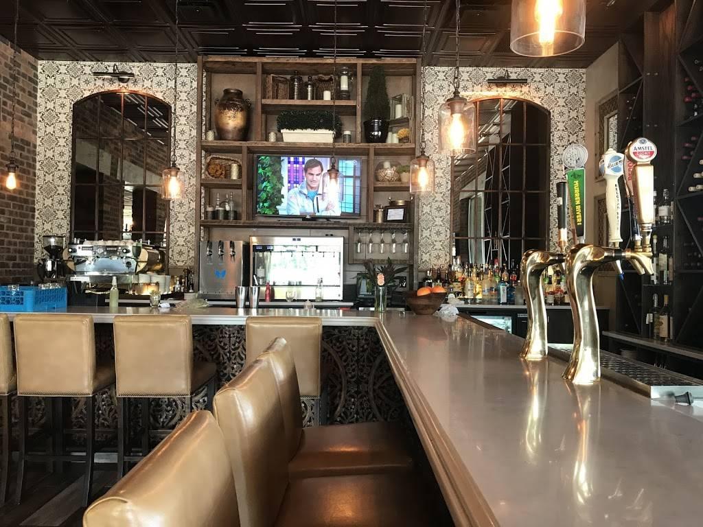 Il Pizzaiolo Warrendale - restaurant  | Photo 3 of 8 | Address: 701 Warrendale Village Dr, Warrendale, PA 15086, USA | Phone: (724) 933-3155