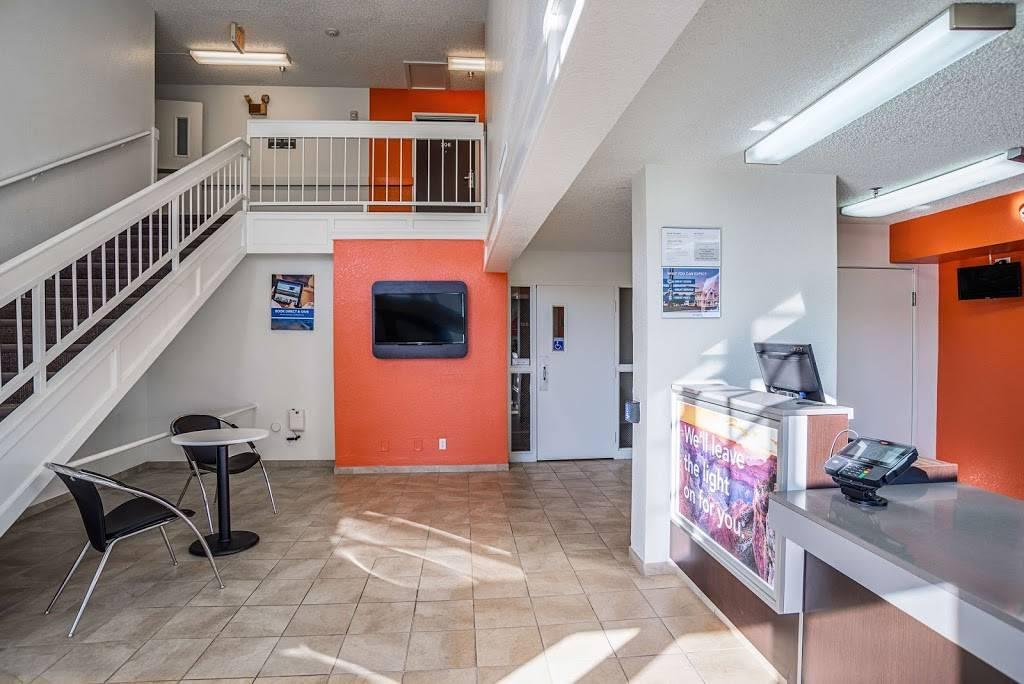Motel 6 Marana City, AZ - Tuscon - North - lodging  | Photo 5 of 10 | Address: 7277 North Camino De Oeste, Tucson, AZ 85742, USA | Phone: (520) 744-9300