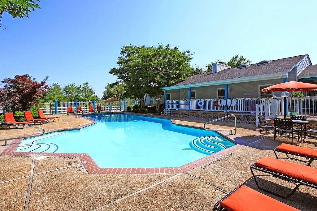 Island Club Apartments - real estate agency  | Photo 1 of 8 | Address: 1500 Sharen Dr, Salisbury, MD 21804, USA | Phone: (410) 860-0095