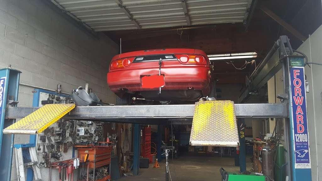 ABC Muffler & Hitch - car repair    Photo 1 of 4   Address: 4592 E 2nd St, Benicia, CA 94510, USA   Phone: (707) 746-5488