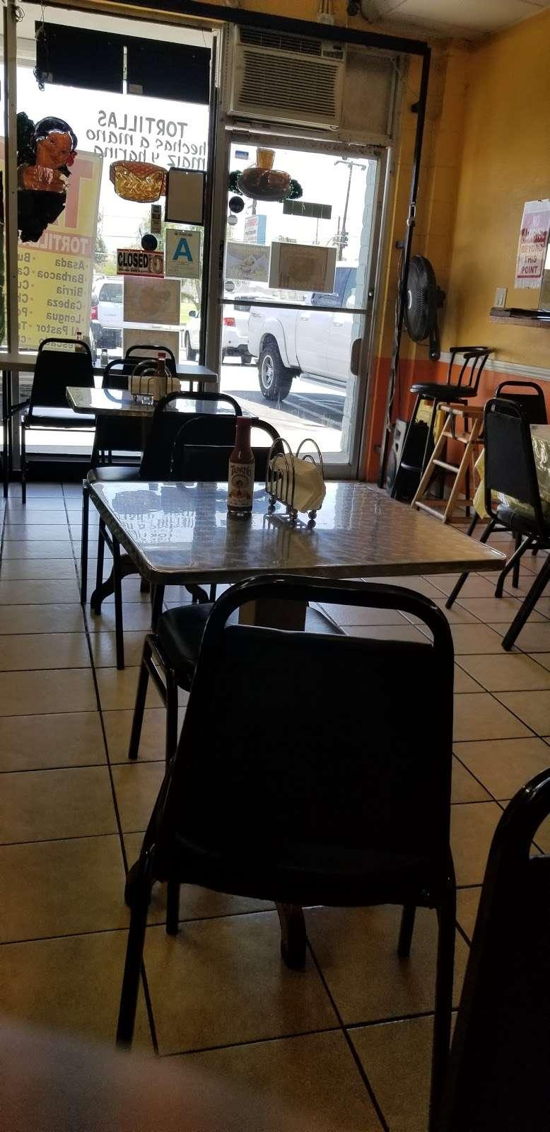 Carnitas Don Cuco - restaurant  | Photo 10 of 10 | Address: 10981 Glenoaks Blvd, Pacoima, CA 91331, USA | Phone: (747) 225-0825