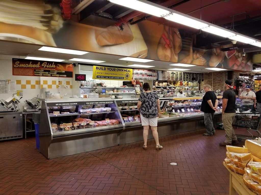 Fairway Market Red Hook - supermarket  | Photo 10 of 10 | Address: 480-500 Van Brunt St, Brooklyn, NY 11231, USA | Phone: (718) 254-0923