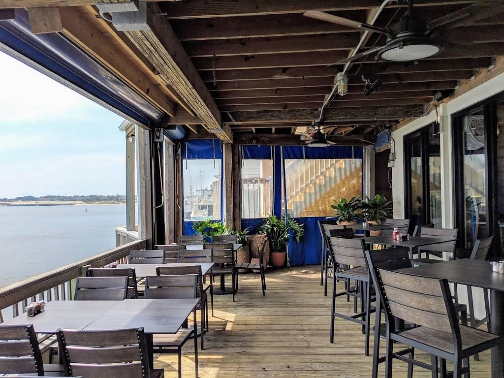 Bubbas Seafood Restaurant and Crabhouse - restaurant  | Photo 4 of 9 | Address: 3323 Shore Dr, Virginia Beach, VA 23451, USA | Phone: (757) 481-3513