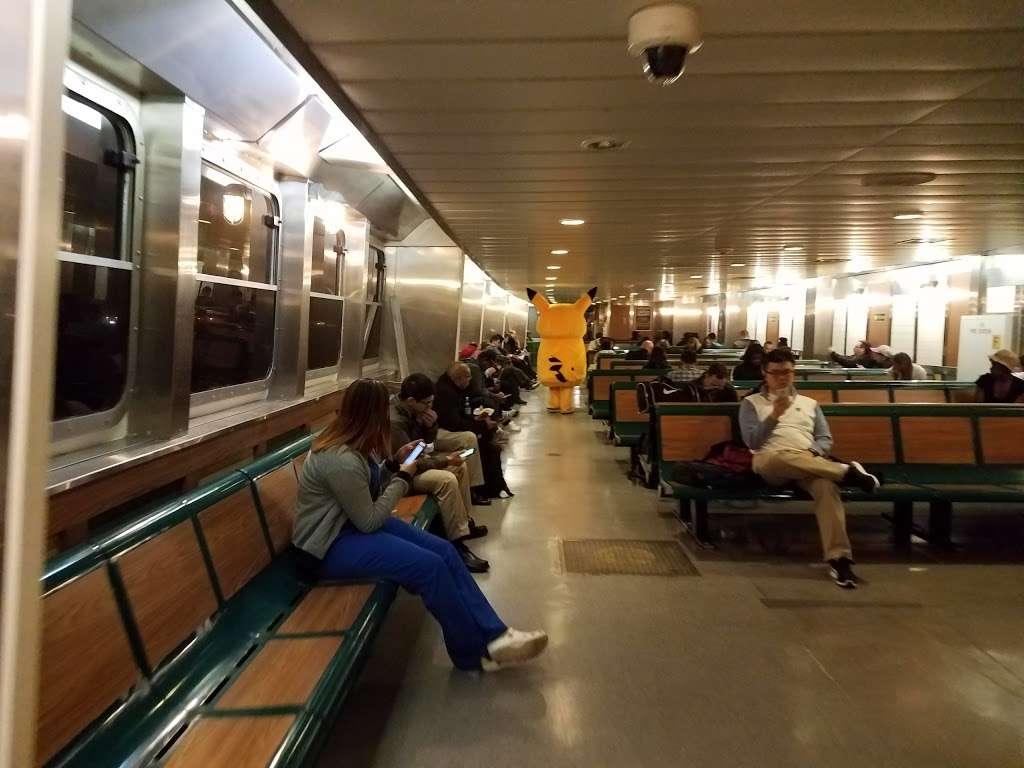 Continental Terminals - storage  | Photo 1 of 10 | Address: 111 Port Jersey Blvd, Jersey City, NJ 07305, USA | Phone: (201) 200-9820