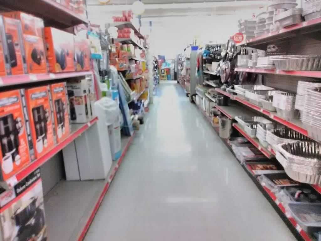 Family Dollar - supermarket  | Photo 6 of 10 | Address: 3744 E Admiral Pl, Tulsa, OK 74115, USA | Phone: (918) 984-6676
