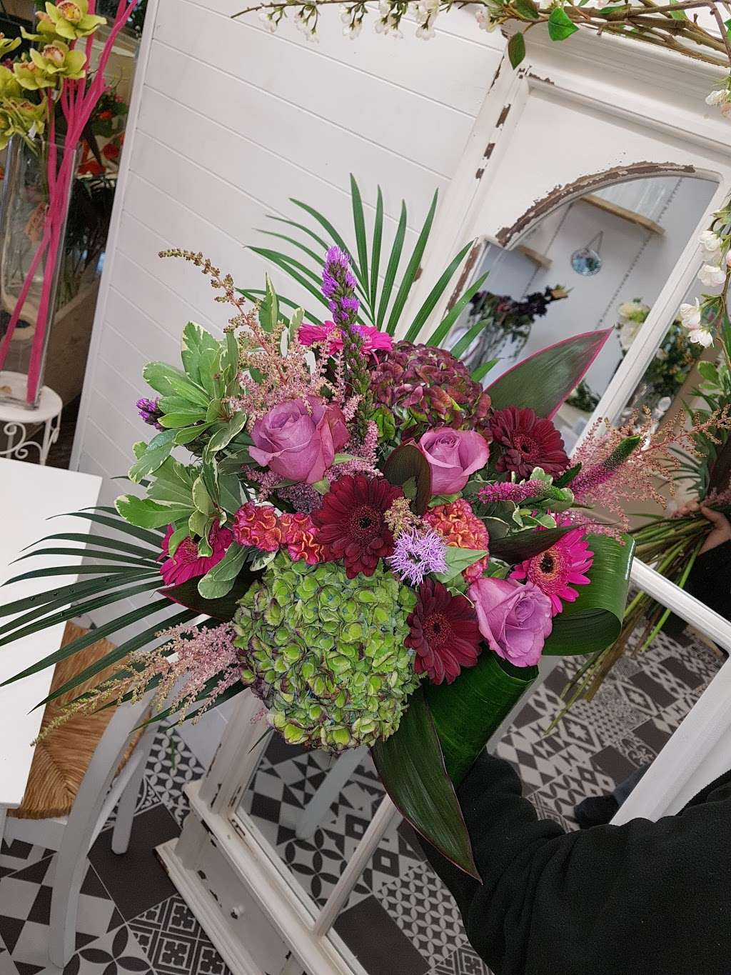 Coggers in Bloom - florist  | Photo 9 of 10 | Address: 849 Forest Rd, Walthamstow, London E17 4AT, UK | Phone: 020 8527 1051