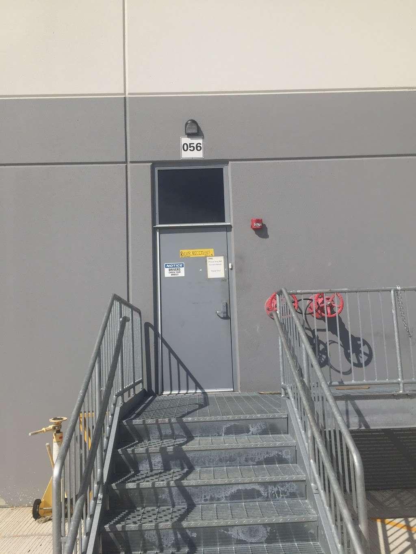 Ryder Logistics - storage  | Photo 4 of 7 | Address: 8620 Congdon Hill Drive, Alburtis, PA 18011, USA