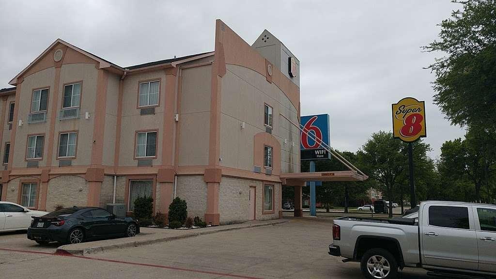 Super 8 by Wyndham Irving/DFW Apt/North - lodging  | Photo 4 of 10 | Address: 4770 W John Carpenter Fwy, Irving, TX 75063, USA | Phone: (214) 441-9000