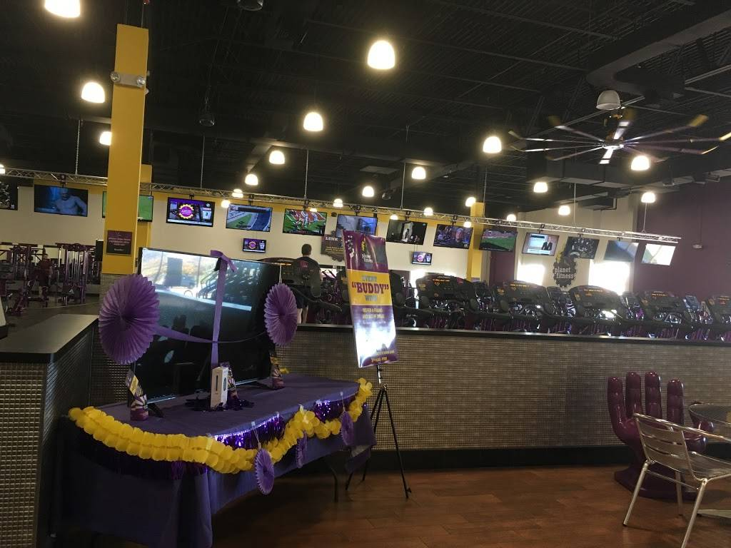 Planet Fitness - gym  | Photo 5 of 8 | Address: 60 Coon Rapids Blvd NW, Coon Rapids, MN 55448, USA | Phone: (763) 784-7677