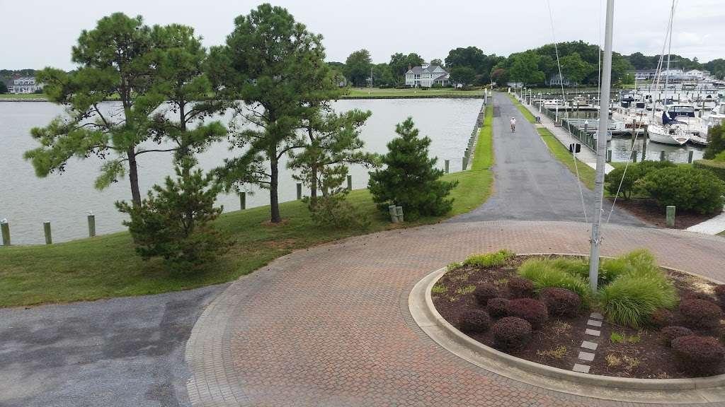 Tilghman on Chesapeake - lodging  | Photo 3 of 10 | Address: 21610 Island Club Rd, Tilghman, MD 21671, USA | Phone: (410) 886-2389