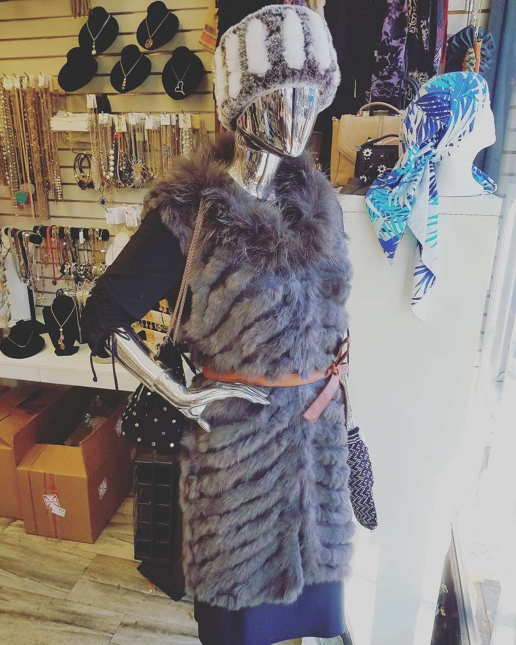 Crown Heights Hosiery - clothing store    Photo 9 of 10   Address: 312 Kingston Ave, Brooklyn, NY 11213, USA   Phone: (718) 467-6276