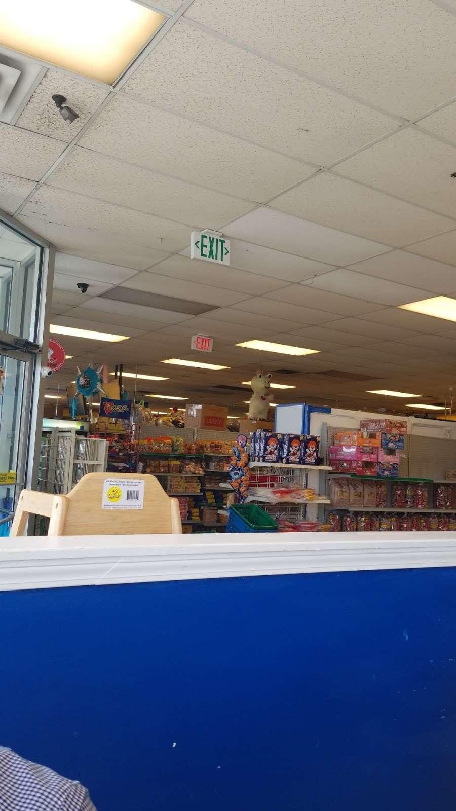Tienda y Panaderia Guatemalteca - store    Photo 8 of 10   Address: 3709 E Washington St, Indianapolis, IN 46201, USA   Phone: (317) 353-6377