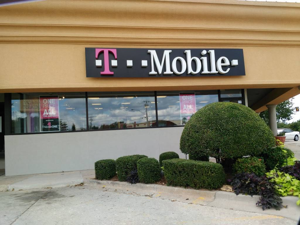 T-Mobile - electronics store  | Photo 1 of 3 | Address: 2132 W Britton Rd, The Village, OK 73120, USA | Phone: (405) 767-9845