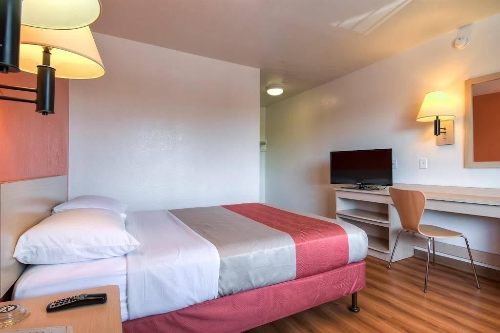Motel 6 Stanton, CA - lodging  | Photo 9 of 10 | Address: 7450 Katella Ave, Stanton, CA 90680, USA | Phone: (714) 891-0717