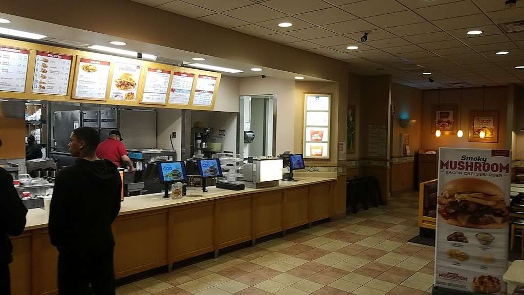 Wendys - restaurant  | Photo 6 of 10 | Address: 1101 Vandegrift Blvd Building 1101, Oceanside, CA 92058, USA | Phone: (760) 385-9770