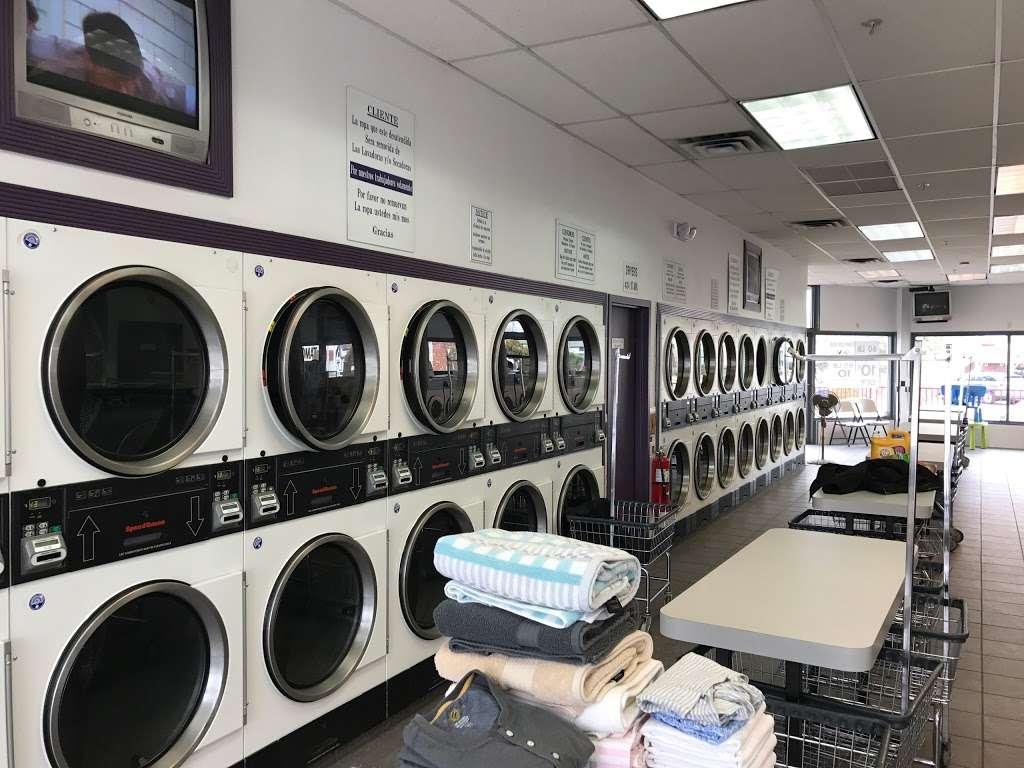 Scrubs Laundromat - laundry  | Photo 5 of 9 | Address: 315 Main St #4, Little Ferry, NJ 07643, USA | Phone: (201) 440-3343