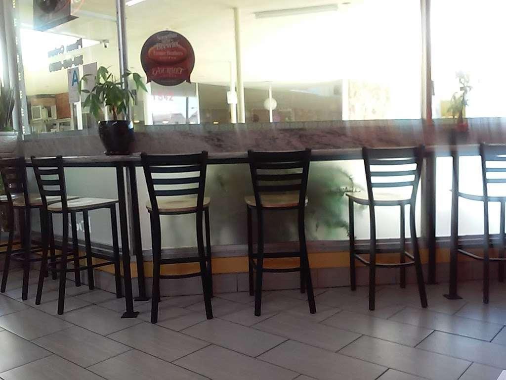 La Placita Restaurant - restaurant  | Photo 1 of 9 | Address: 1534 W Carson St, Torrance, CA 90501, USA | Phone: (310) 613-6530