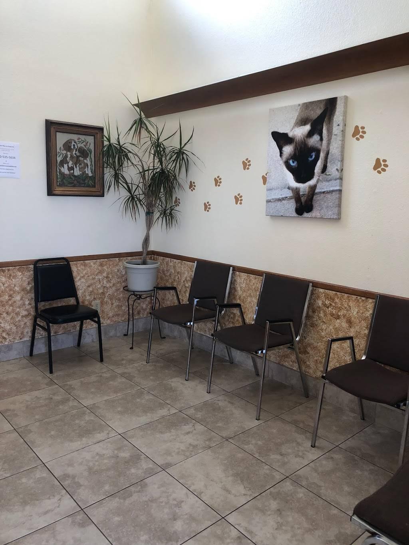 Anderson Animal Clinic - veterinary care  | Photo 2 of 10 | Address: 2650 W Baseline Rd, Mesa, AZ 85202, USA | Phone: (480) 838-3682