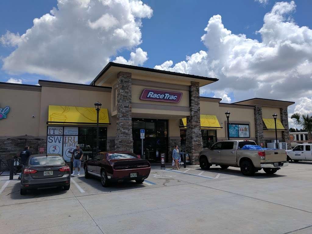 RaceTrac - gas station  | Photo 6 of 10 | Address: 2001 Saxon Blvd, Deltona, FL 32725, USA | Phone: (386) 561-2081