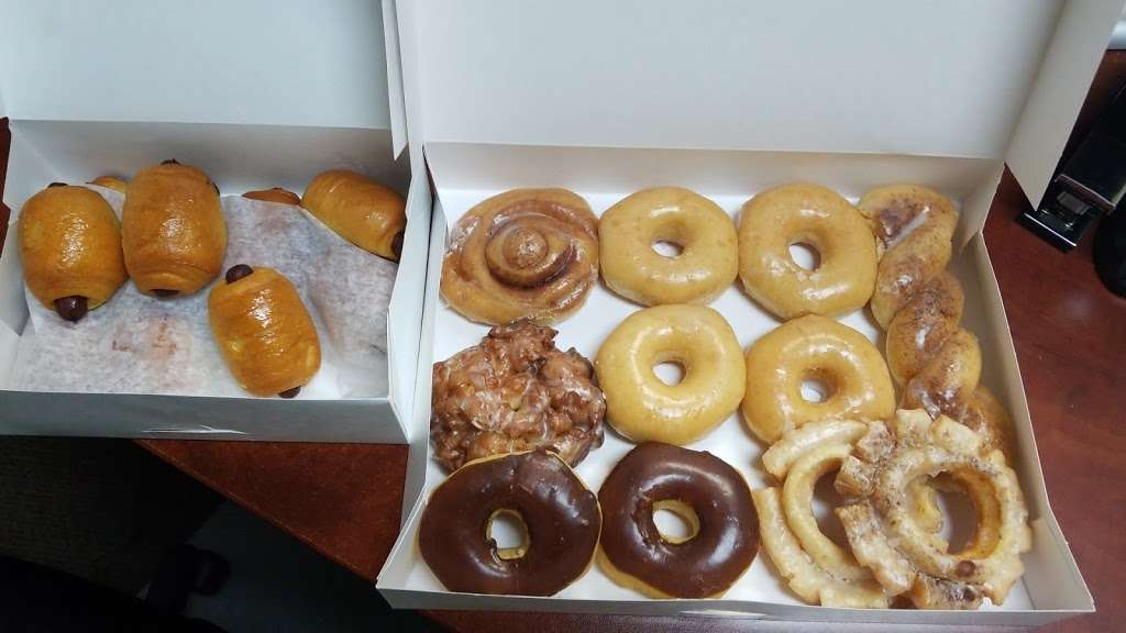 Donut City - bakery  | Photo 1 of 10 | Address: 205 N Denton Tap Rd # 200, Coppell, TX 75019, USA | Phone: (972) 462-0408