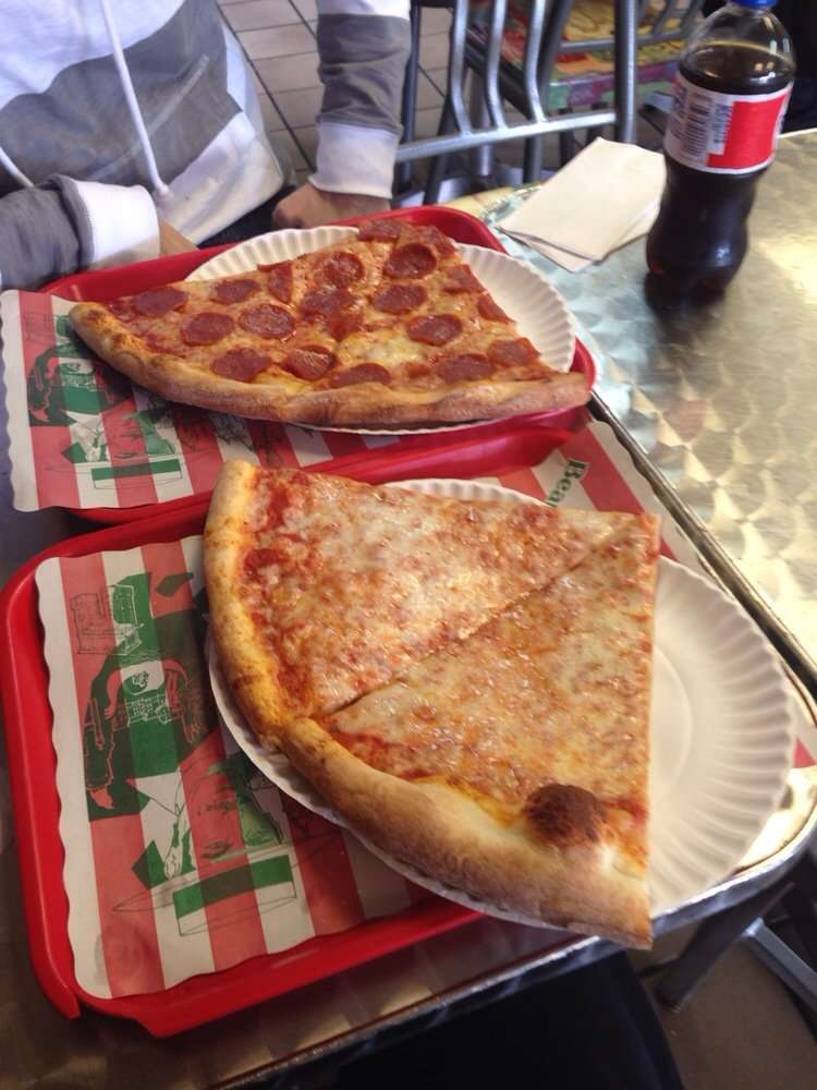 Sergios Pizza - restaurant  | Photo 6 of 10 | Address: 4803 Ditmars Blvd, Astoria, NY 11103, USA | Phone: (718) 274-8595