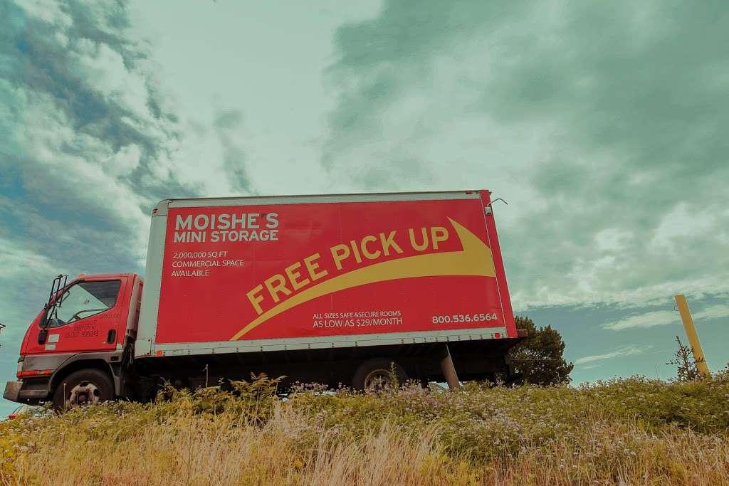 Moishes Self Storage - storage  | Photo 4 of 7 | Address: 930 Newark Ave, Jersey City, NJ 07306, USA | Phone: (201) 659-0669
