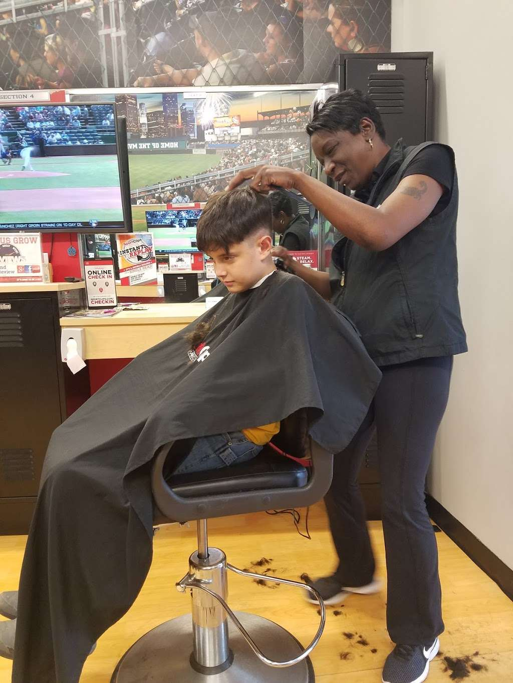 Sport Clips Haircuts of German Church Shops - hair care  | Photo 4 of 10 | Address: 10935 E Washington St, Indianapolis, IN 46229, USA | Phone: (317) 897-9674