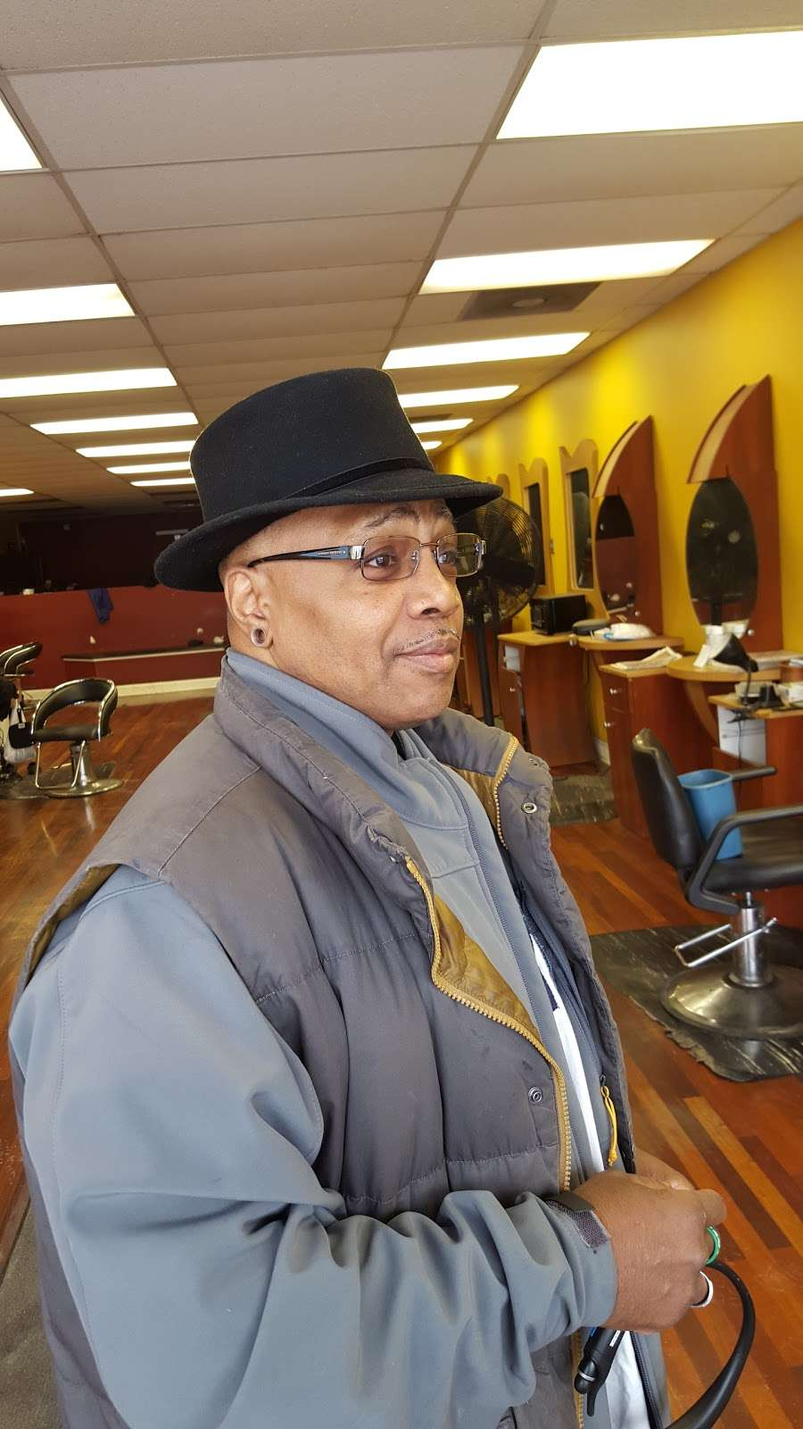 Beverly Barber Shop - hair care    Photo 1 of 1   Address: 1977 W 111th St, Chicago, IL 60643, USA   Phone: (773) 881-9960