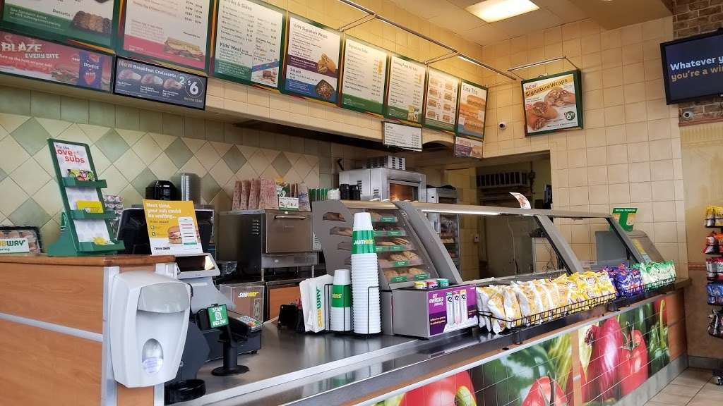Subway - meal takeaway  | Photo 9 of 10 | Address: 11220 Laurel Canyon Blvd Unit 101, Mission Hills, CA 91340, USA | Phone: (818) 838-3532