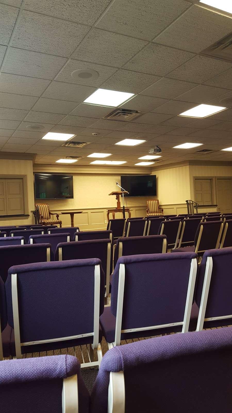 Kingdom Hall of Jehovahs Witnesses - church  | Photo 1 of 2 | Address: 10 Norwood Dr, Gillette, NJ 07933, USA | Phone: (908) 647-1197