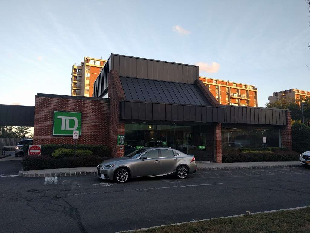 TD Bank - bank  | Photo 1 of 2 | Address: 1400 Palisade Ave, Fort Lee, NJ 07024, USA | Phone: (201) 947-8938