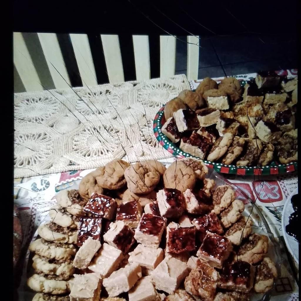 Money Mikes Hot Dogs LLC - meal takeaway  | Photo 1 of 10 | Address: E Redfield Rd, Gilbert, AZ 85234, USA | Phone: (480) 559-4735