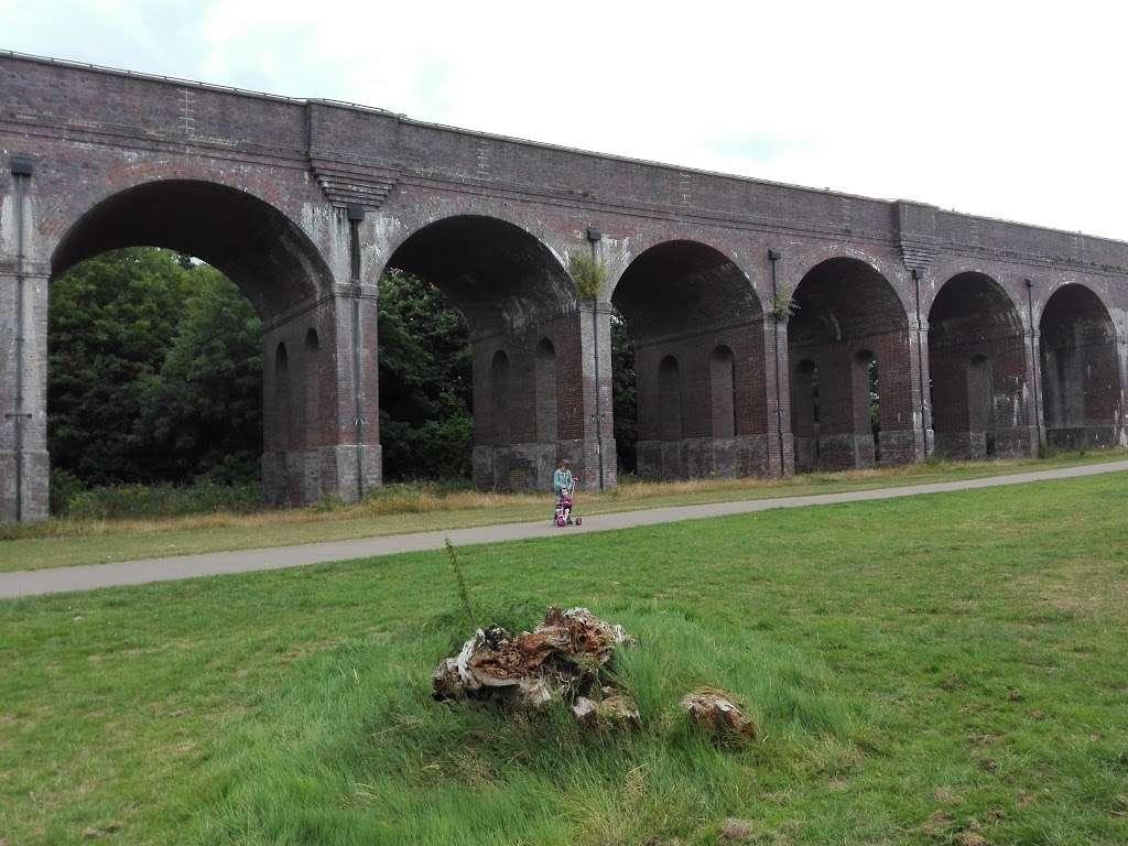Arnos Park - park  | Photo 9 of 10 | Address: 120 Morton Way, Arnos Grove, London N14 7AL, UK