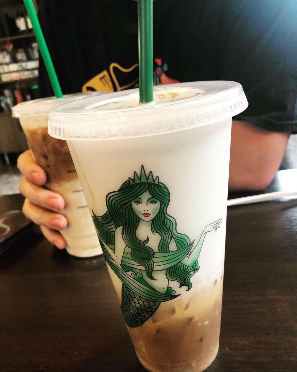 Starbucks - cafe  | Photo 6 of 9 | Address: 6768 W 95th St, Oak Lawn, IL 60453, USA | Phone: (708) 430-8903