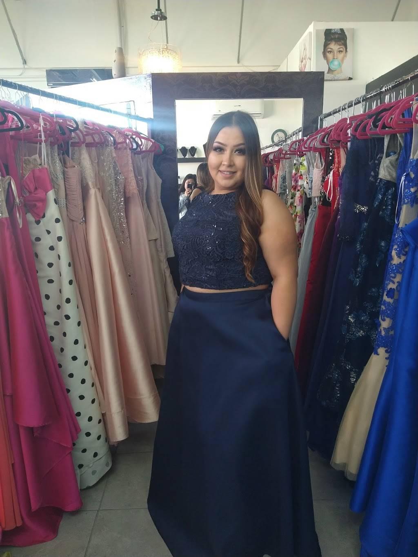 ozunas renta de vestidos - clothing store    Photo 3 of 3   Address: Av. Paseo de la Victoria 8040, Partido Romero, 32540 Cd Juárez, Chih., Mexico   Phone: 656 266 2886