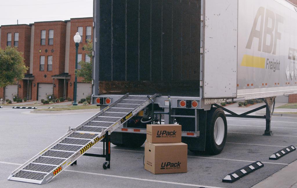 U-Pack - moving company  | Photo 2 of 9 | Address: 2701 16th St, North Bergen, NJ 07047, USA | Phone: (844) 611-4582
