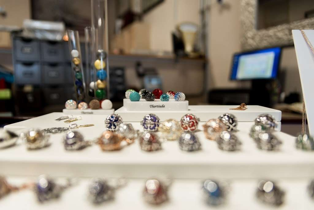 Genna Jewelers - jewelry store    Photo 10 of 10   Address: 2304 Remi Dr #103, Melbourne, FL 32940, USA   Phone: (321) 215-2222