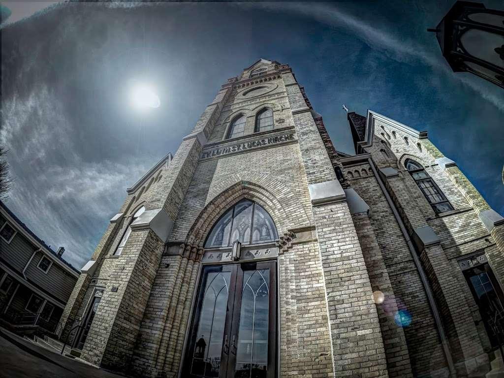 St. Lucas Lutheran Church - church  | Photo 3 of 10 | Address: 2605 S Kinnickinnic Ave, Milwaukee, WI 53207, USA | Phone: (414) 483-9122