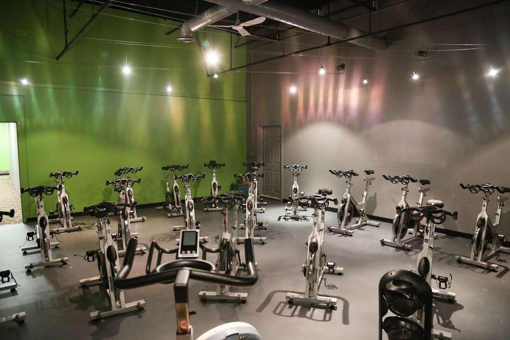 FITLAB Fitness Club Merrimack - gym  | Photo 3 of 10 | Address: 515 Daniel Webster Hwy, Merrimack, NH 03054, USA | Phone: (603) 429-4653