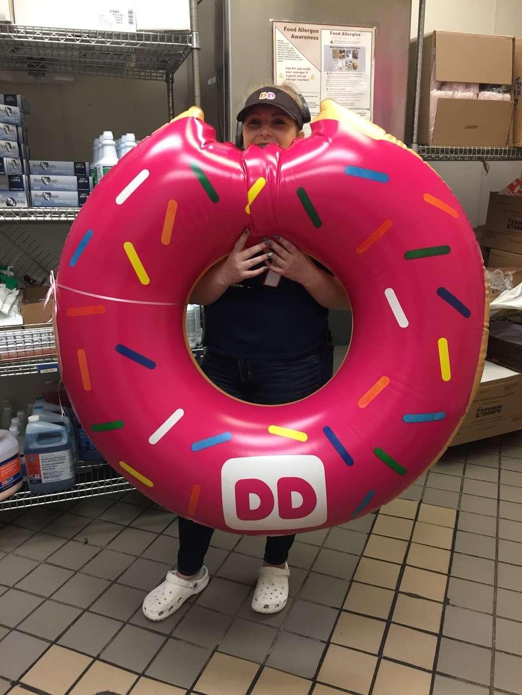 Dunkin - bakery  | Photo 10 of 15 | Address: 61 Main St, Salisbury, MA 01952, USA | Phone: (978) 462-1189