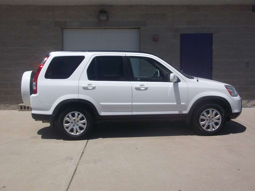 R C Auto Sales - car dealer    Photo 1 of 10   Address: 1701 S Tibbs Ave, Indianapolis, IN 46241, USA   Phone: (317) 247-0170